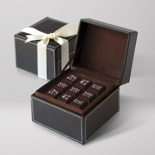 Leather gift box - 18 chocolates