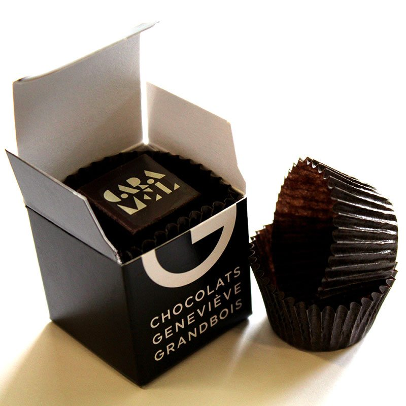 Square box of  2 chocolates, Chocolats Geneviève Grandbois