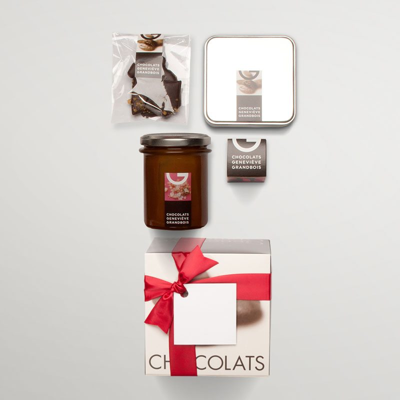 Carton gift box with 4 chocolate products, exploded view