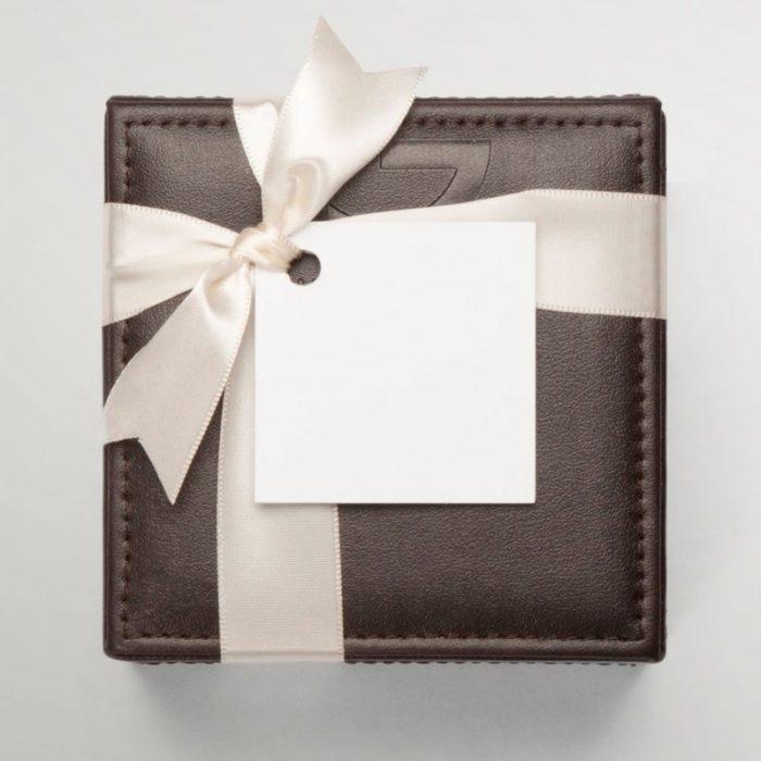 Leather gift box - 18 chocolates
